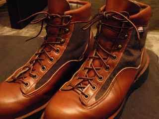 初めに買ったダナーの靴